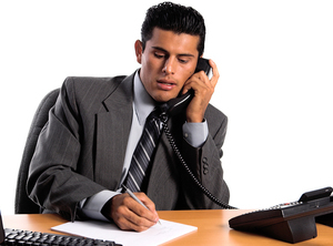 Что делать, если сотрудник непоявился наработе или исчез — пошаговая инструкция