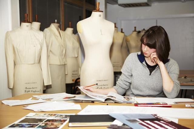 Как устроен бизнес по созданию дизайнерской одежды: опыт Карины Галстян
