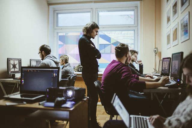 Как учителю-филологу без опыта и денег удалось открыть и развить ИТ-школу — история Елены Динман