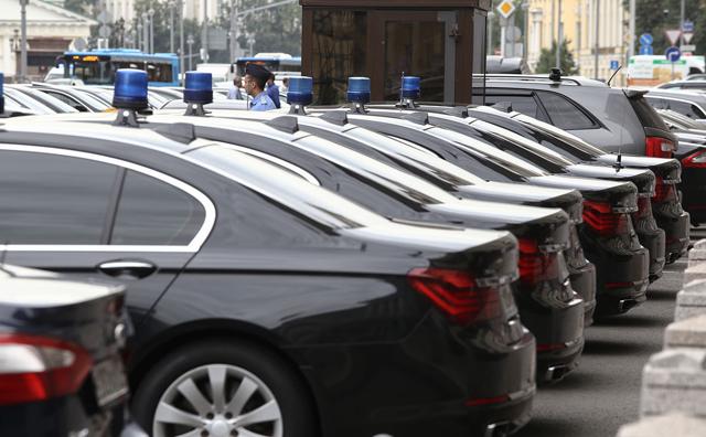 Почему компании пересаживаются на такси? Сравниваем с расходами на служебный транспорт