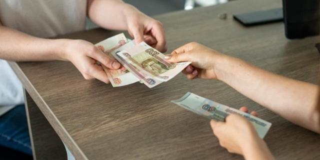 Почему растет доллар и что с ним будет дальше. Обзор валютного рынка Беларуси и России