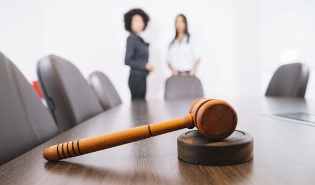 Как не ошибиться при найме юриста, если вы сам не юрист