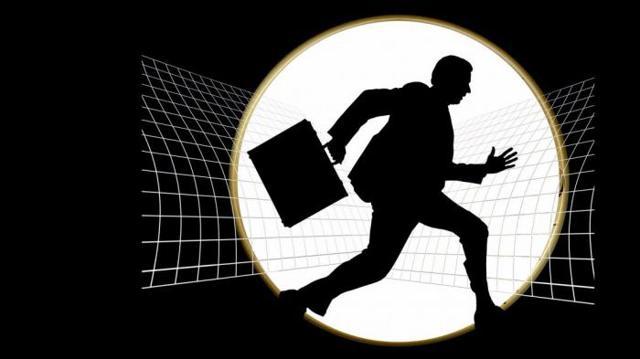 Как защитить компанию от утечки ценных кадров – советы юриста