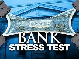 Как население устраивает стресс-тесты банкам – 2 графика