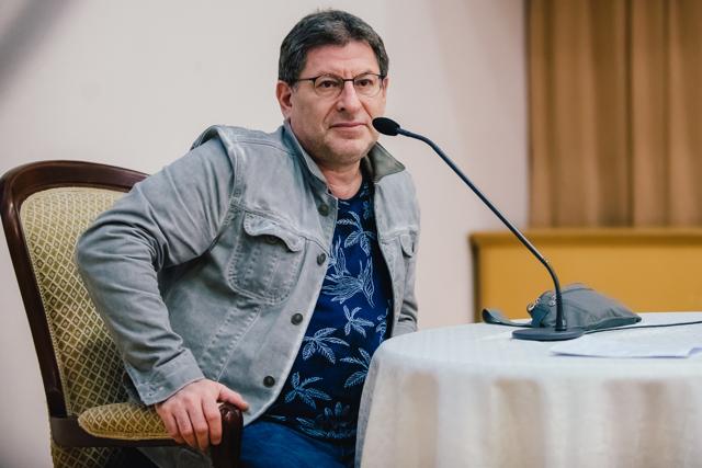 Как перестать бояться и добиться повышения зарплаты: интервью с Михаилом Лабковским