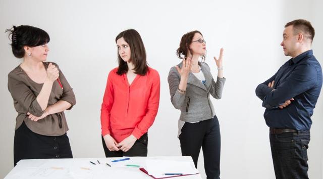 Какие сотрудники компании должны, но не помогают отделу продаж выполнять план