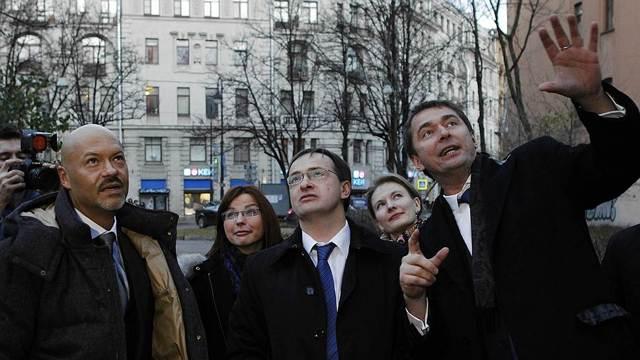 Какие бизнесы есть у Бондарчука, Михалкова, Литвиновой и других российских звезд кино