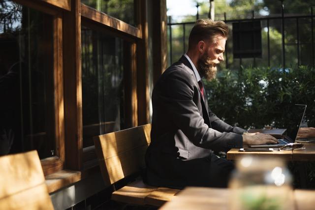 Что не так с топ-менеджерами, которые не могут найти работу